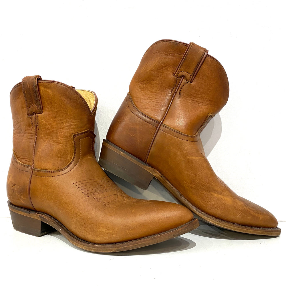 NEW Frye Billy Short Cognac Western Booties Sz 9.5 (f)