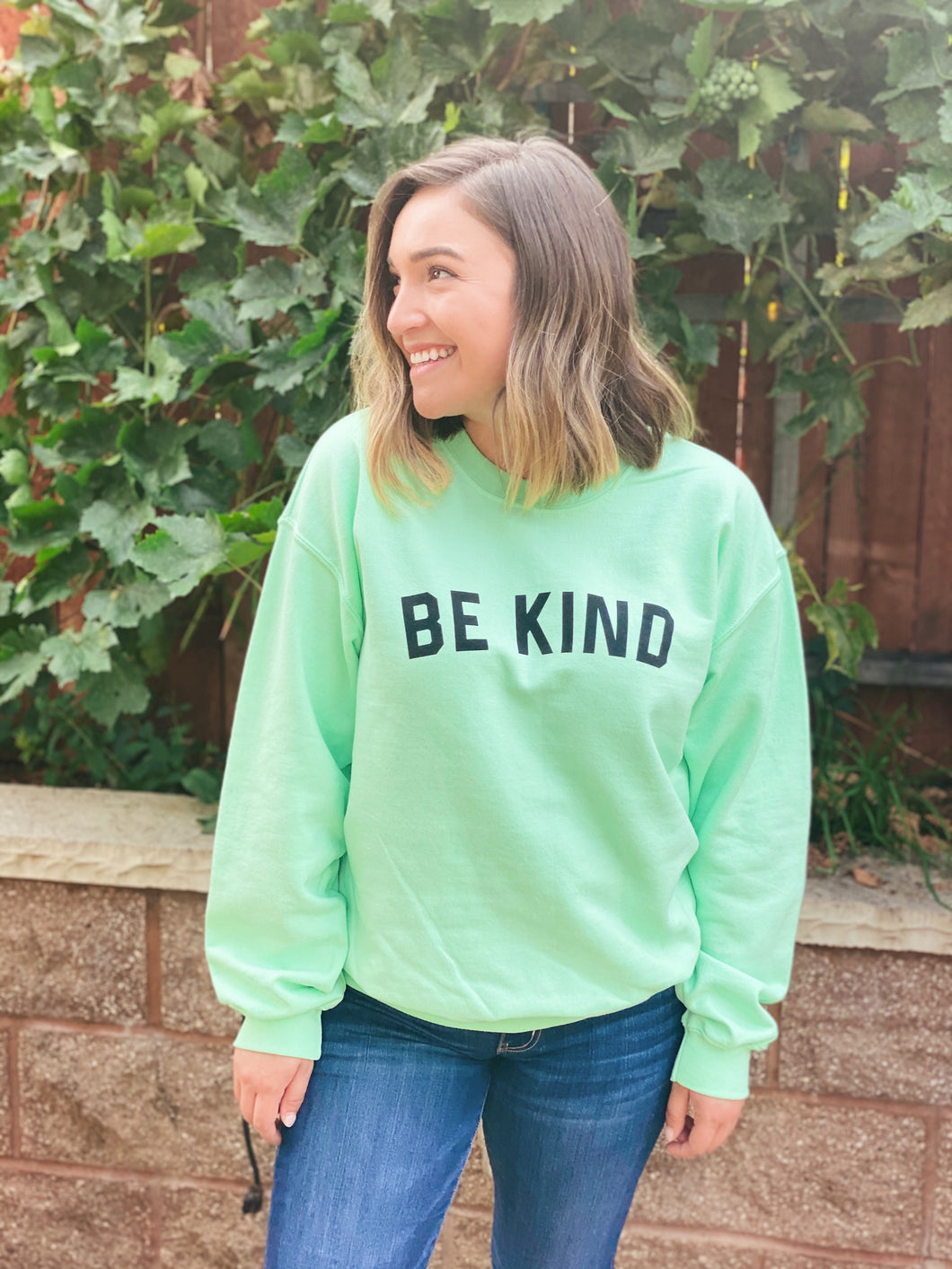 BE KIND PULLOVER