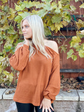 TRUE OF HEART OPEN SHOULDER TOP-CARMEL