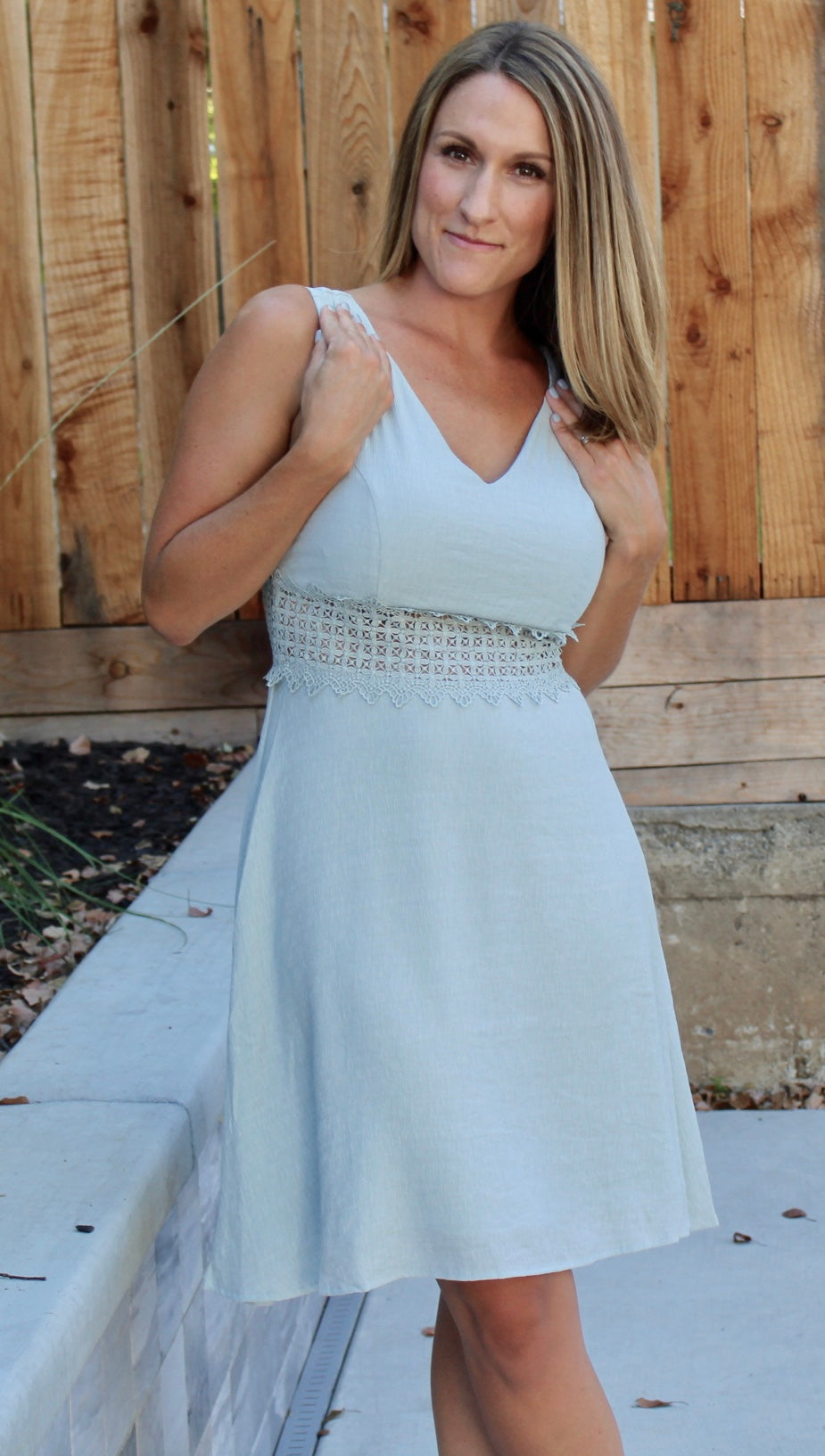 MELTING HEARTS MINT KEY HOLE DRESS