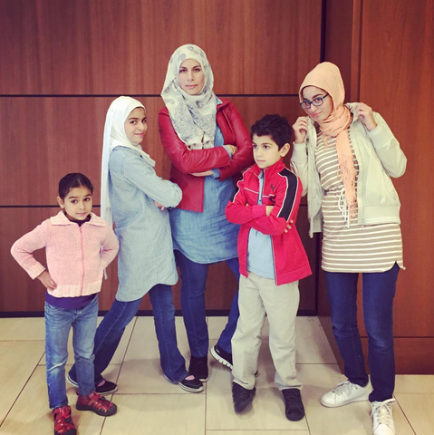 leenashijabs.com muslim family hijabs for girls