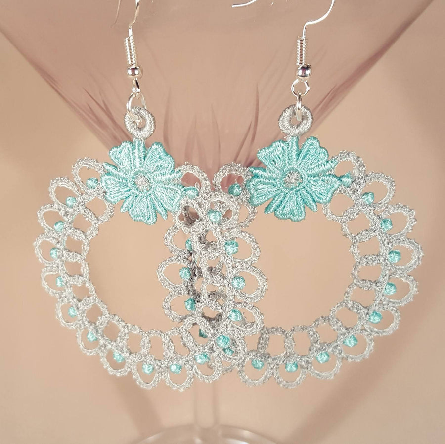 Freestanding Lace Mia Earrings