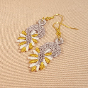 Lily Miniature Freestanding lace Earrings