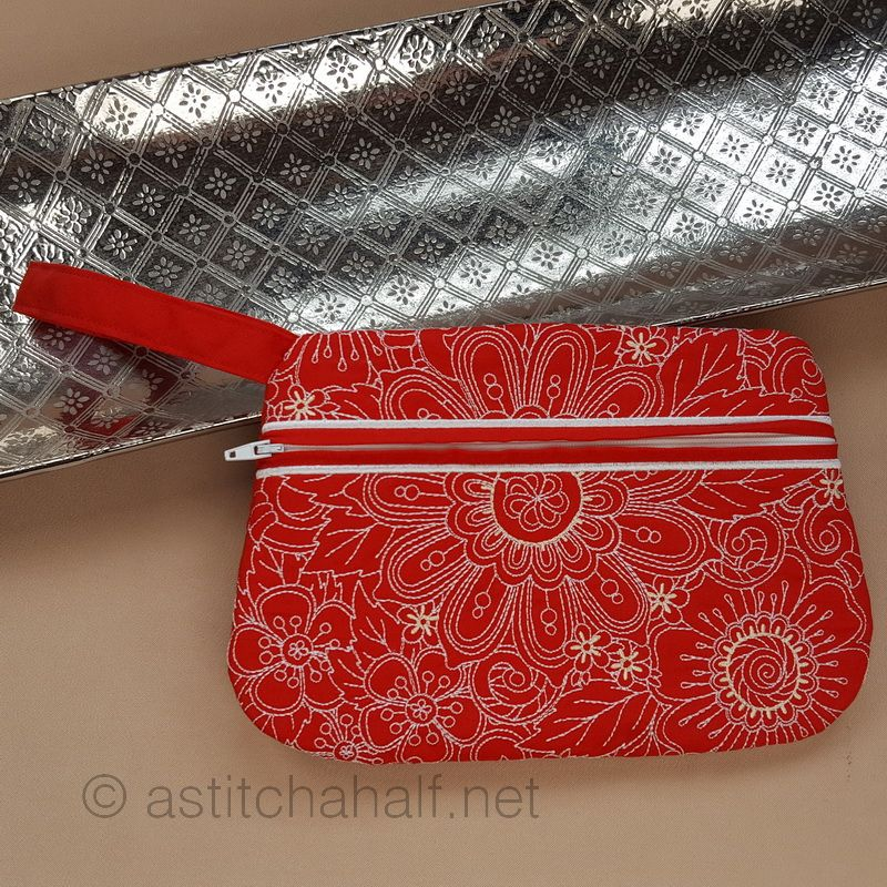 Peekaboo Wrist Clutch Purse