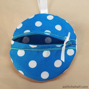 Anchor In The Hoop Zipper Bag - a-stitch-a-half