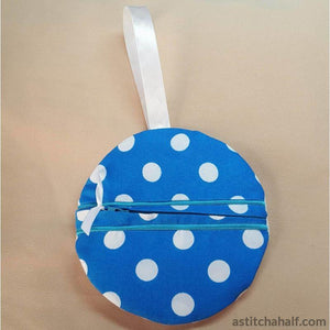Anchor In The Hoop Zipper Bag - astitchahalf