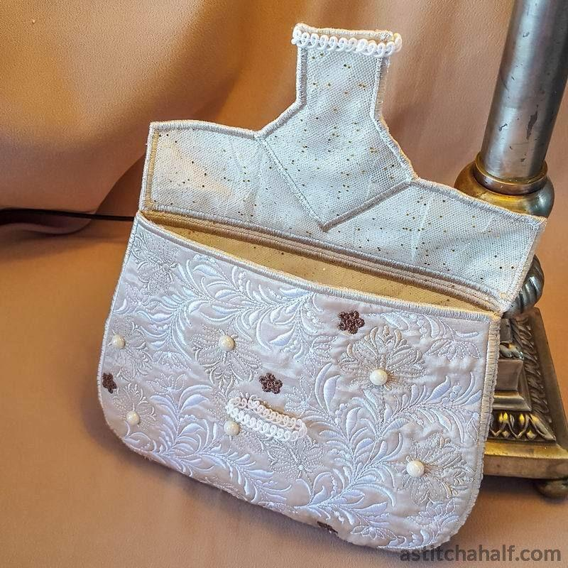 Beautiful Baguette Purse - astitchahalf