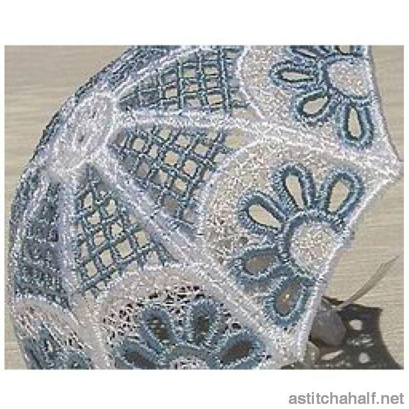 Daisy Lace Umbrella Favor Freestanding