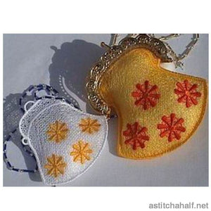 Daisy Purse - a-stitch-a-half