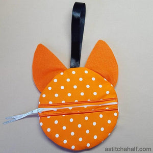Foxy Bag with ITH Zipper - a-stitch-a-half