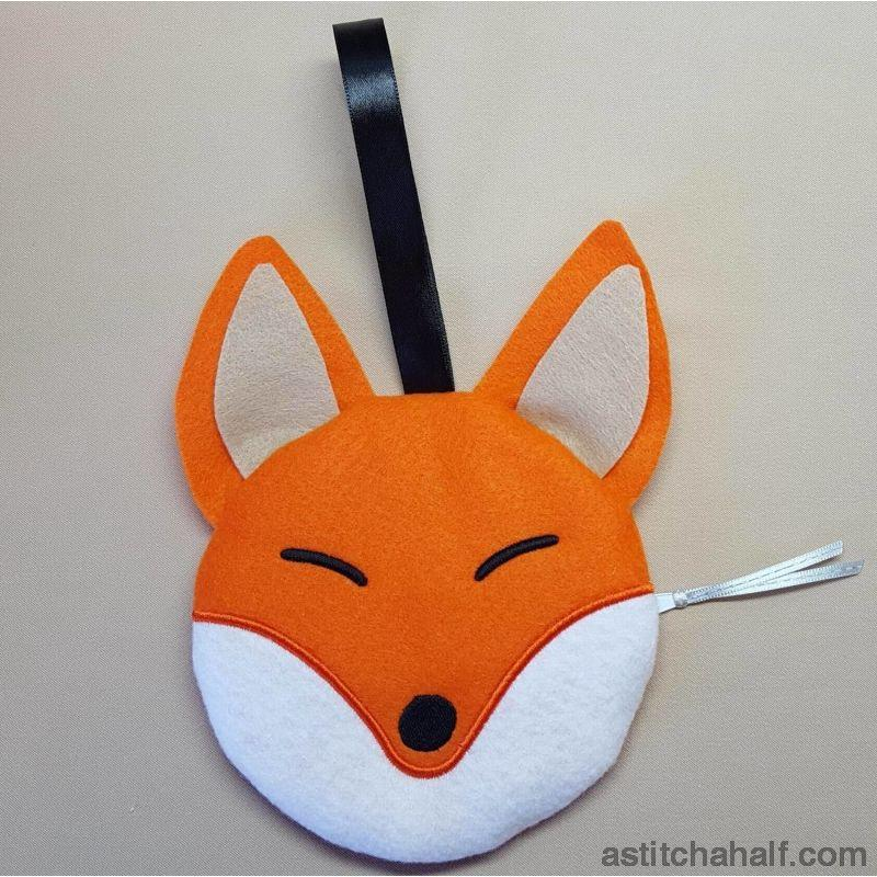 Foxy Bag with ITH Zipper - astitchahalf