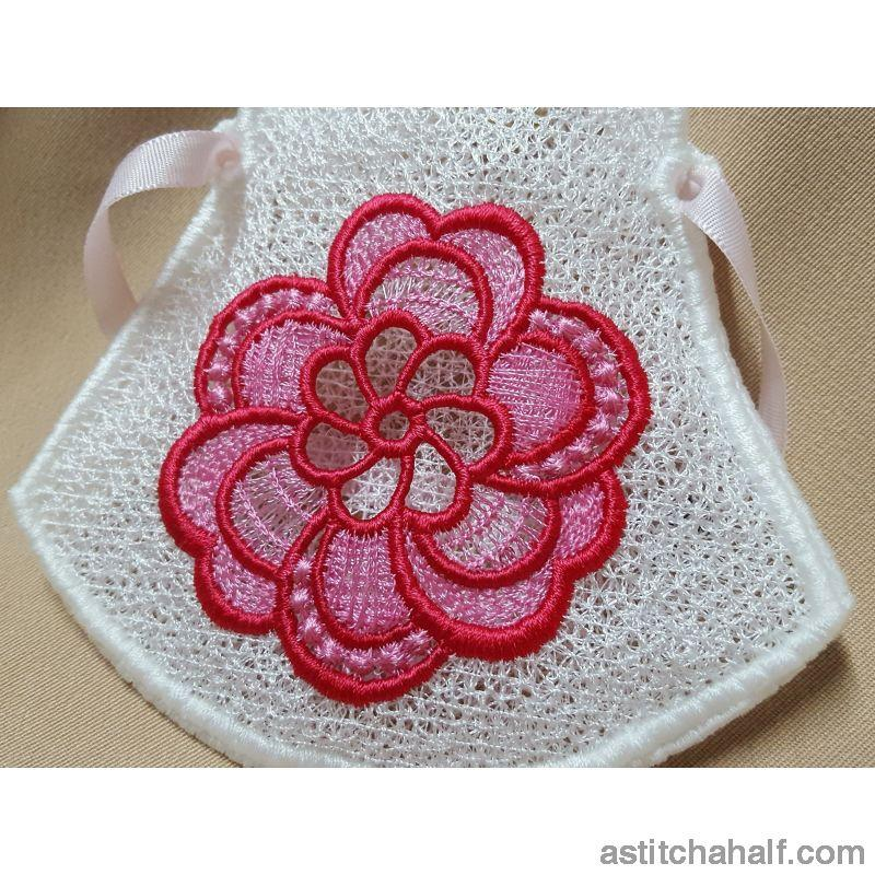 Freestanding Lace Pretty Petals Purse - a-stitch-a-half