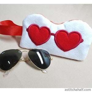 Lovely Eyeglass Case With Ith Zipper Embroidery Fill