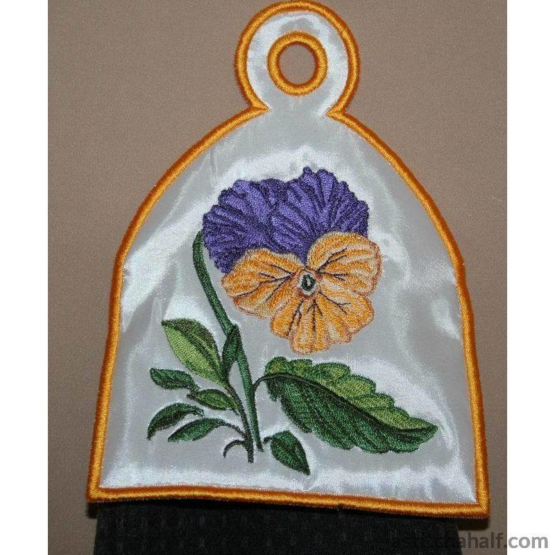 Pansy Towel Topper All In The Hoop