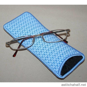 Peacock Eyeglass Cases 01 - a-stitch-a-half