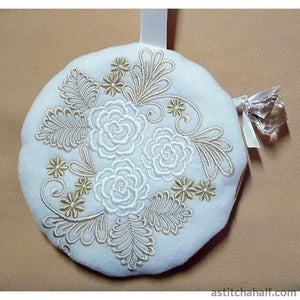 Roses My Darling with in the hoop Zipper Bag - a-stitch-a-half