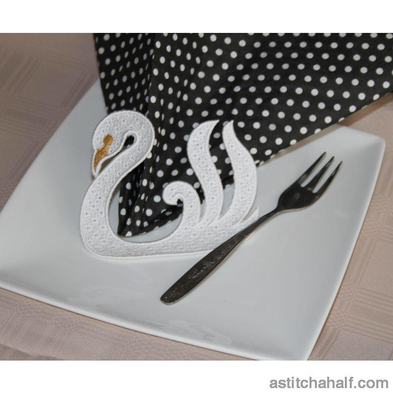 Swaying Swan Freestanding Lace