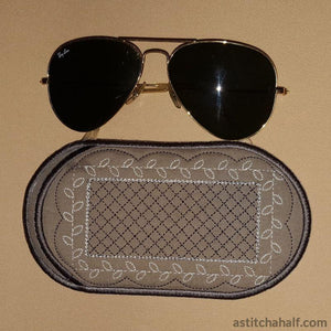Vanilla Kisses Eyeglass Case In The Hoop