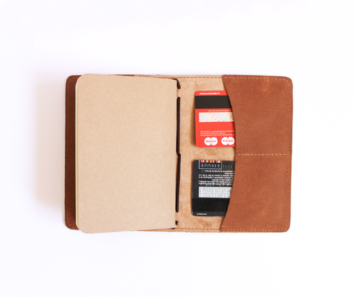 PaperMe, porta documento, cuero, porta pasaporte, pocket journey, pocket, midori, traveller, camel