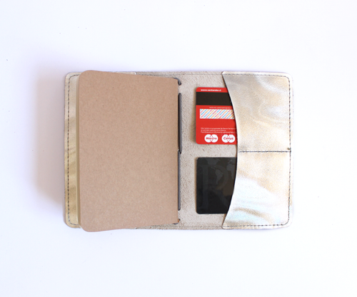 PaperMe, porta documento, cuero, porta pasaporte, pocket journey, pocket, midori, traveller, tornasol