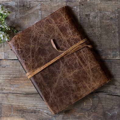 Rustic Style Wedding Guest Book in Chocolate Brown - Bridal Show Time