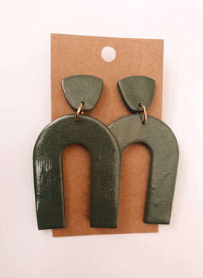 Arch Clay Earrings in Evergreen