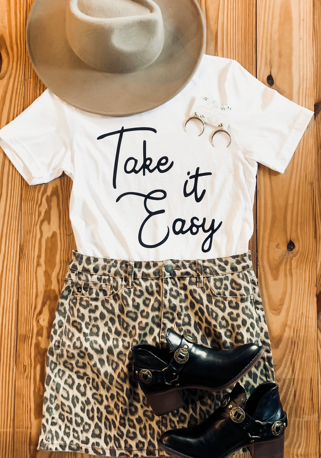 Take it Easy Tee 2432
