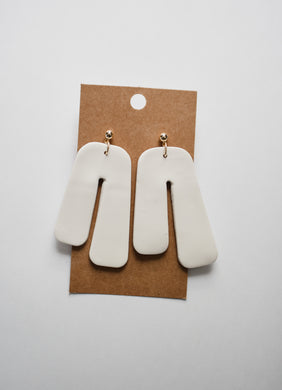 Retro Arch Clay Earrings in Ivory