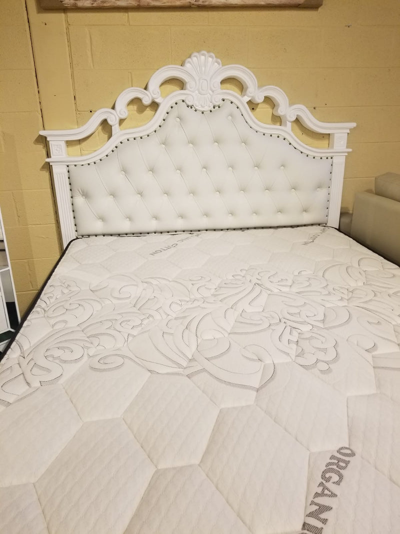Samantha White Bedroom Set