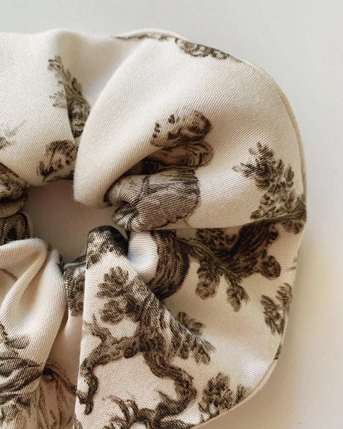 miirë Scrunchie - Porcelain Black/White