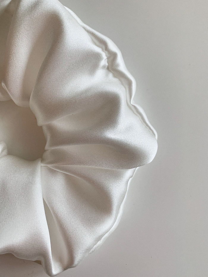 Pure Silk Charmeuse Scrunchie - White