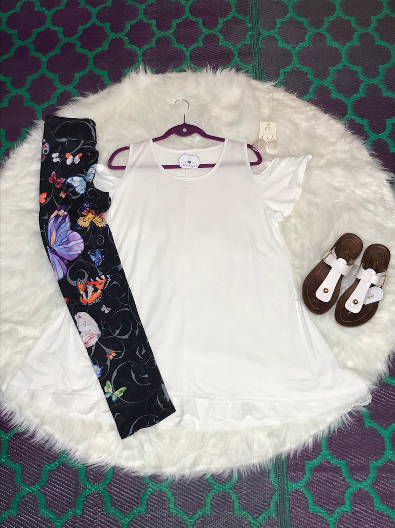 Colorful Butterflies leggings outfit | Plum Hanger