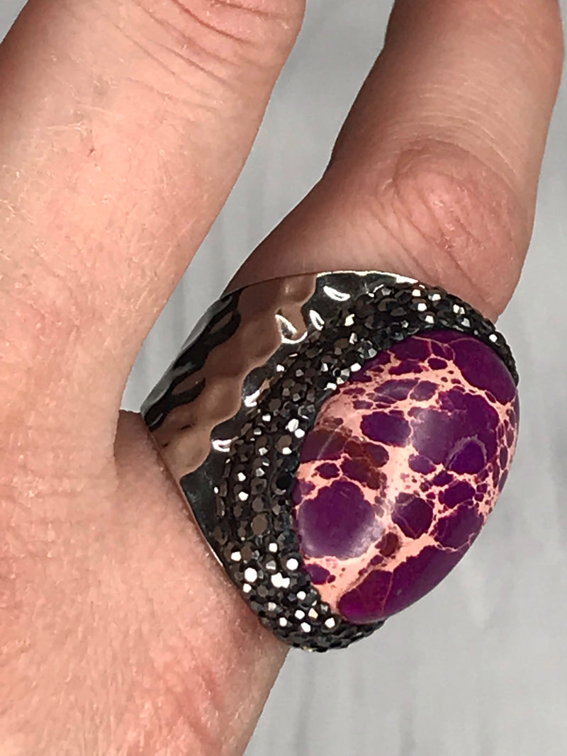Side view of Plum Lightening ring | Plum Hanger