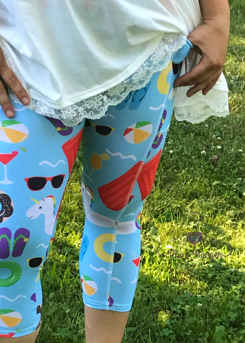 Fun in the Sun beach capri leggings with pockets | Plum Hanger Boutique