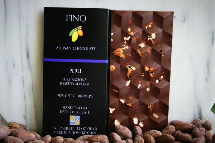 SINGLE ORIGIN DARK CHOCOLATE BAR WITH TOASTED ALMONDS