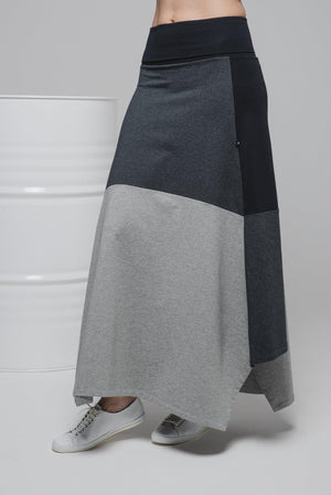NON522 Long trapeze skirt