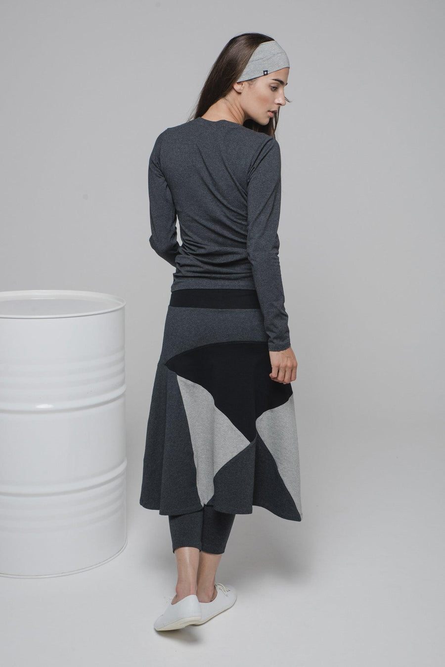 NON530 Knee long skirt