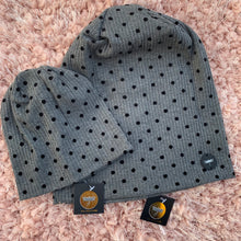 The Contrast CAPSULE Dot Beanie