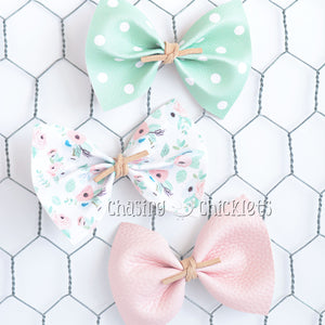 Sweet Pea Bow Set