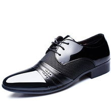 2017 New Fashion Height Increasing Men Flats Shoes Breathable Wedding Shoes Flat Men Dress Shoes Business Male Flats Pointed Toe