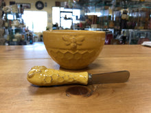 Honeycomb Bowl with Spreader