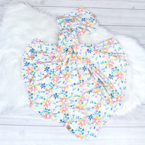 Bright Floral Swaddle Set