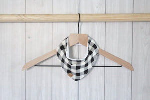 Monochrome Buffalo Plaid Bibdana
