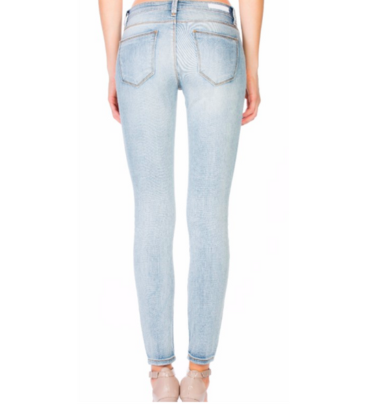 Mid Rise Basic Light Wash Skinny