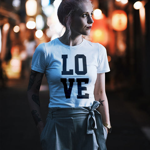 LOVE - Fitted short sleeve tee