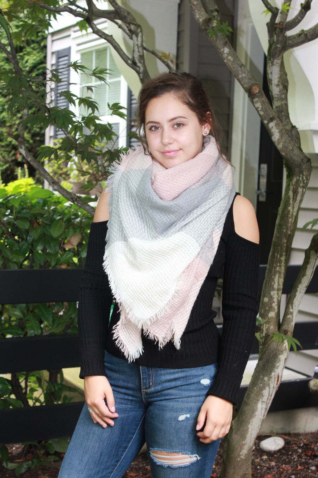 Light Grey & Pink Blanket Scarf