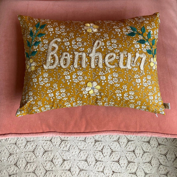 BONHEUR Embroidered Pillow