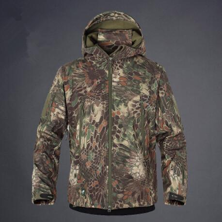 c7e1b0722d8e Army Camouflage Coat Military Jacket Waterproof Windbreaker Raincoat Hunt  Clothes Army Men Outerwear-Jackets