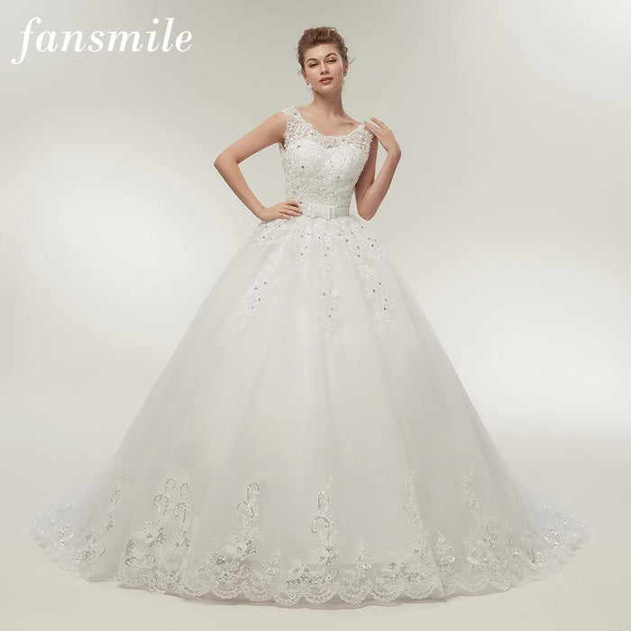 Fansmile Long Train Vintage Lace Up Bow Princess Wedding Dresses White  Bridal Ball Gown Robe De 61579e7a58f0