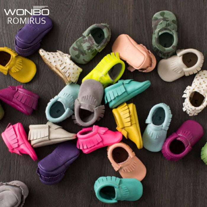 773e0b7a477bf Tassels 26-Color Pu Leather Baby Shoes Baby Moccasins Newborn Shoes Soft  Infants Crib Shoes Sneakers